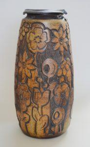 Andrew Bergloff studio pottery vase.