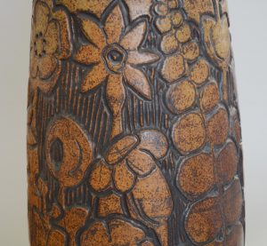 Andrew Bergloff studio pottery vase detail of side.