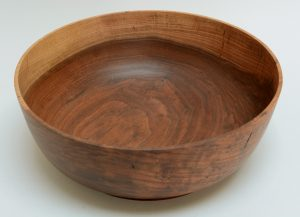Dale Chase turned walnut bowl
